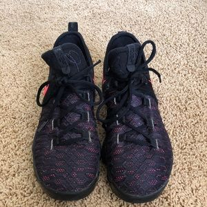 KD Nike Shoes kid size 5.5 or fits ladies 7.5